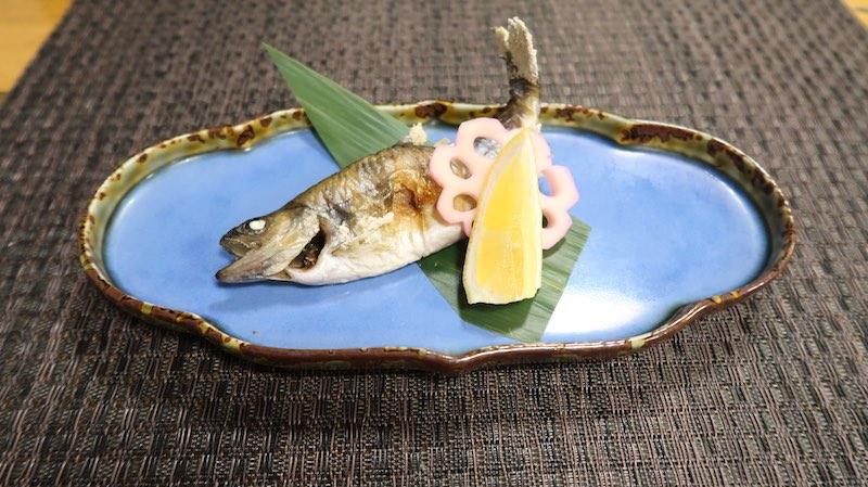 夕食の川魚