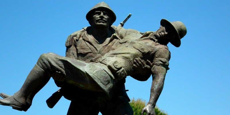 statue-soldati-gallipoli