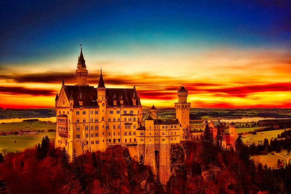 castello-neuschwanstein-tramonto