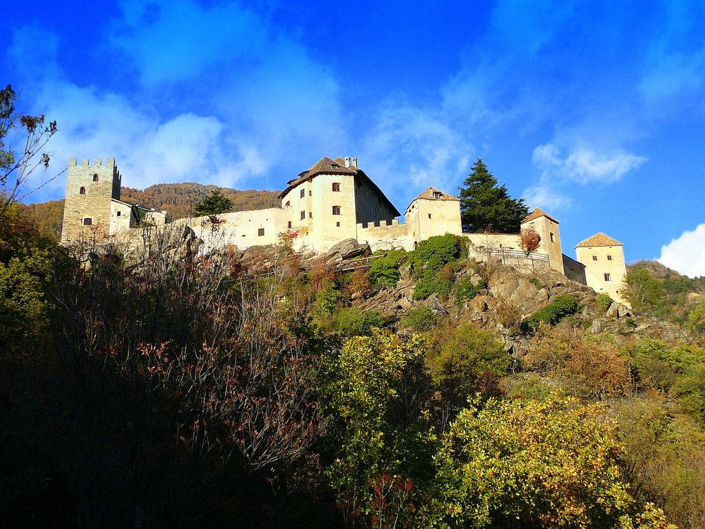 castel-juval-panorama