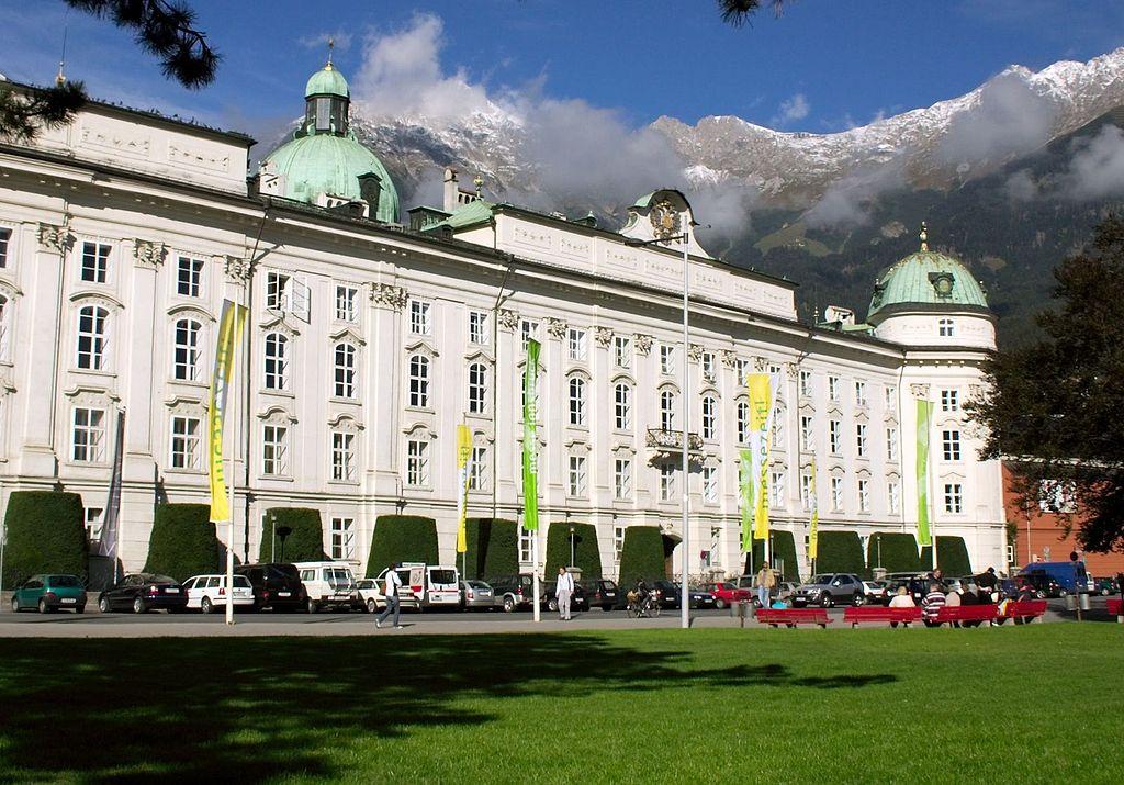 facciata-palazzo-imperiale-innsbruck