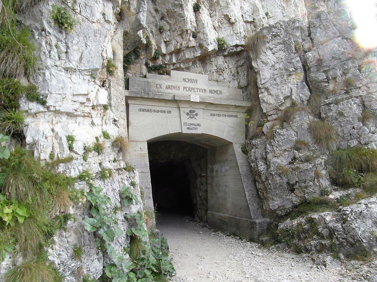 Inizio della strada delle 52 gallerie