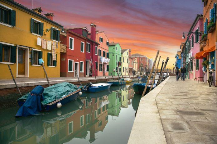 Case colorate di Murano