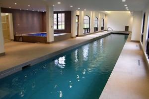 Custom Pools LI Indoor Pool