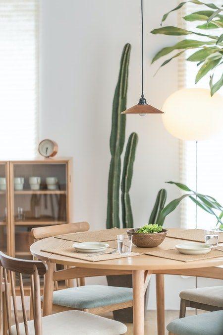 Billigt spisebord i egetræ