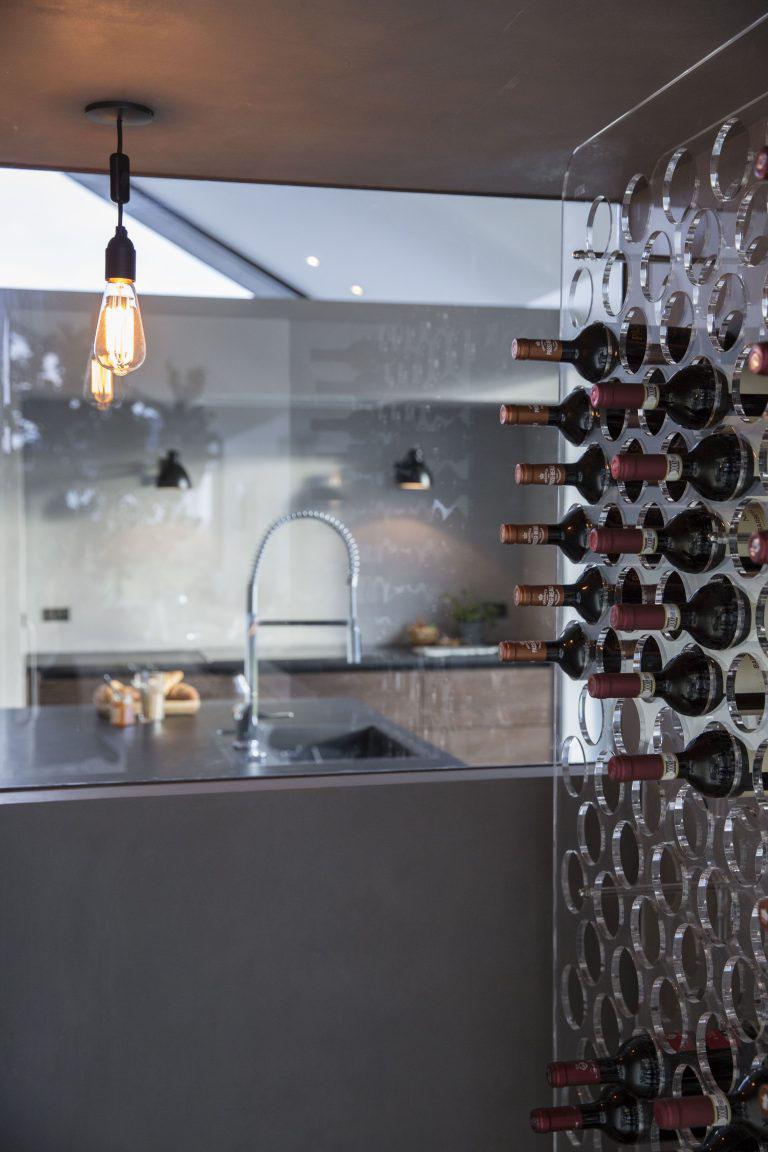 Vinreol i køkken