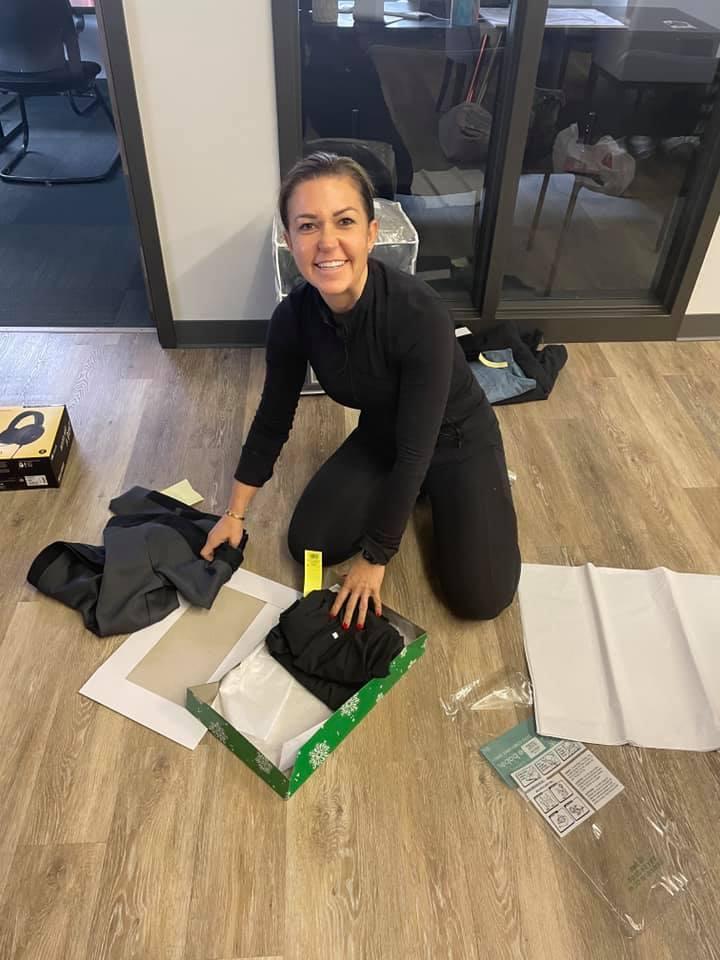 Felicia Pavlica volunteering