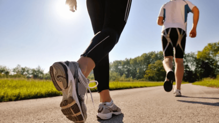 8 Manfaat Lari Pagi Sebelum Sarapan yang Mencengangkan