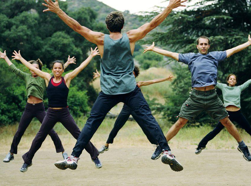 8 Manfaat Jumping Jacks untuk Kesehatan Tubuh