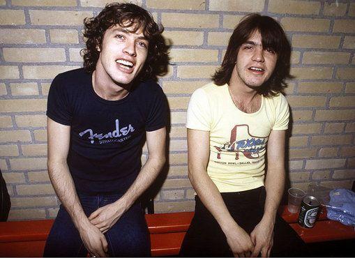 El primer disco de Angus y Malcolm Young | El Club Del Rock