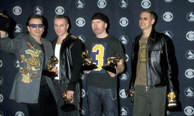 U2 en la entrega 43 de los Grammy Awards en 2001 Foto grammy com