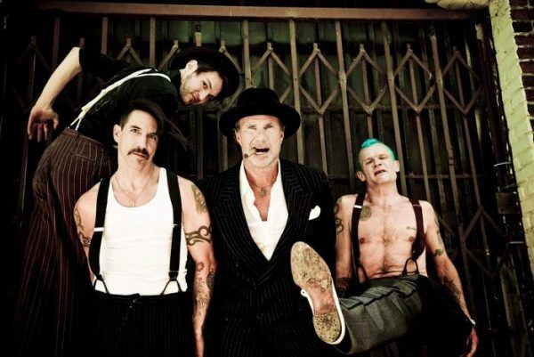 Red Hot Chili Peppers 2 e1462940415187