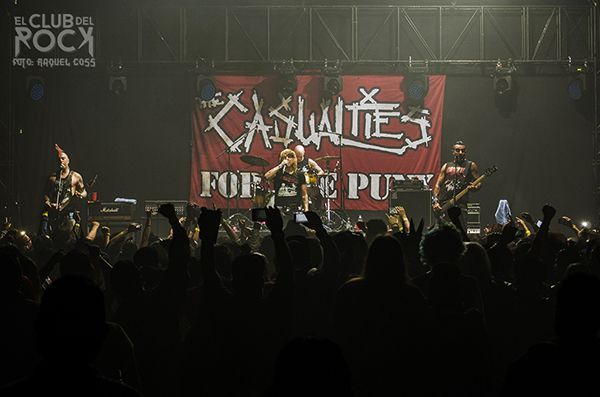 The Casualties por Raquel Coss