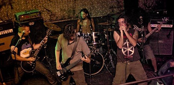 omens of plague en vivo