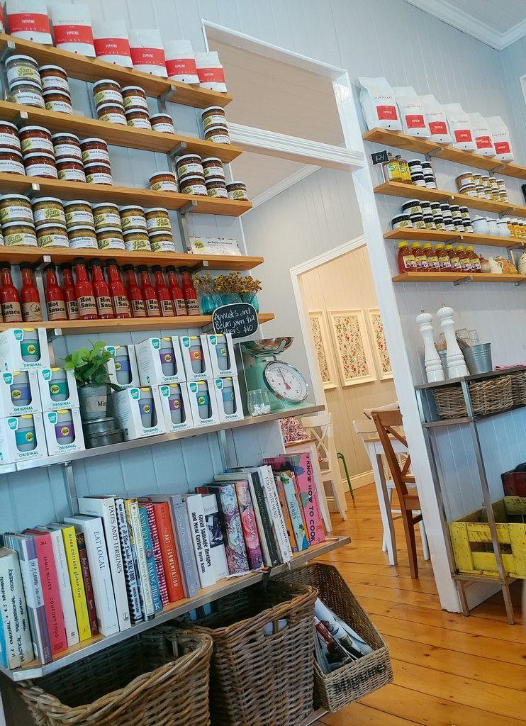 jam pantry shelves