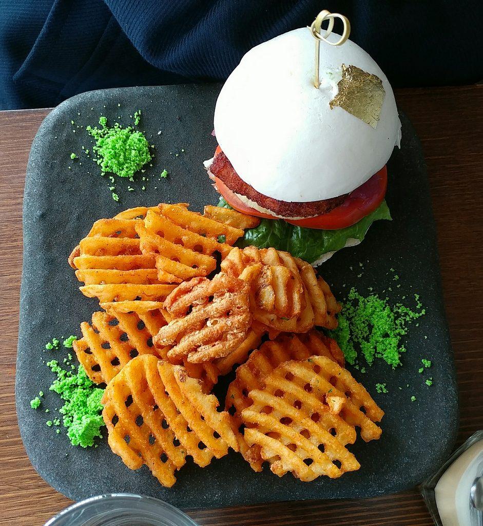 glass den bao burger