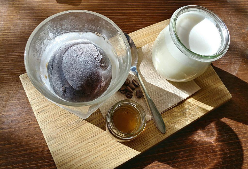glass den iced coffee