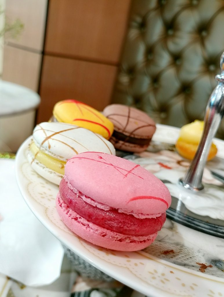change cafe macarons