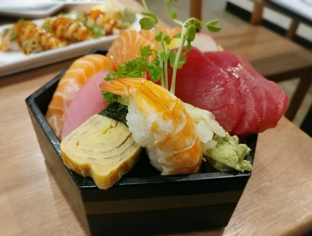 zutto bento sushi box