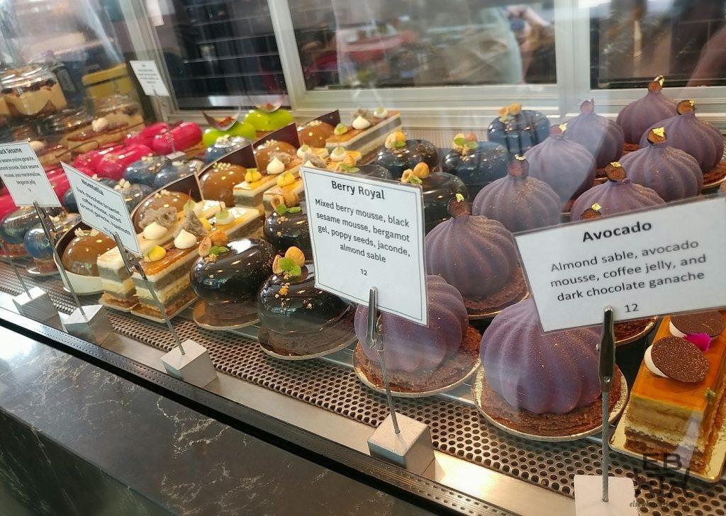 koi dessert bar cakes