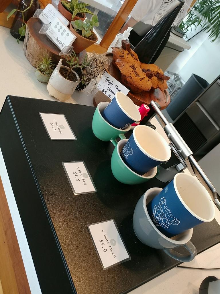huskk cafe counter