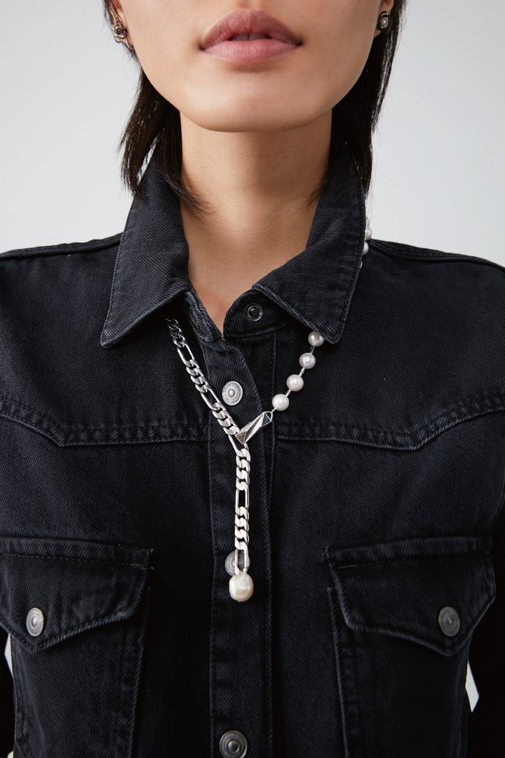SWERVING NECKLACE 2