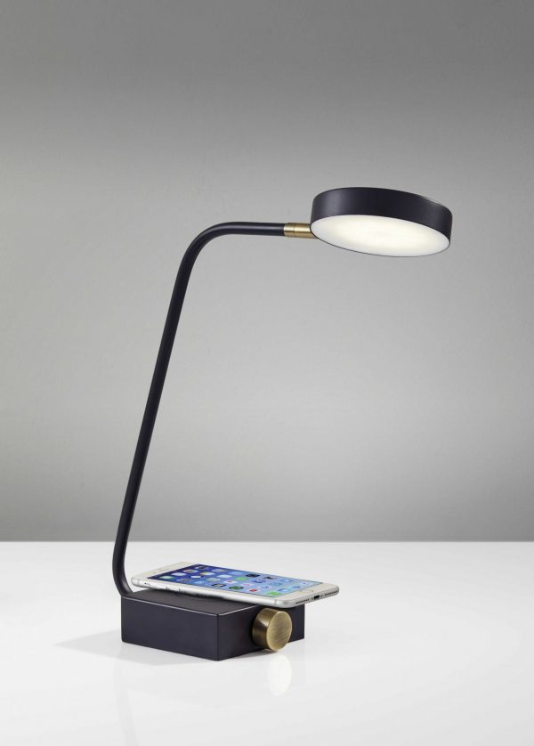 "4.75"" X 15.5"" X 15.5""-19"" Black Metl LED Desk Lamp"
