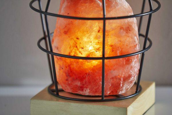 "7"" X 7"" X 8"" Black Metal Himalayan Salth Table Lamp"