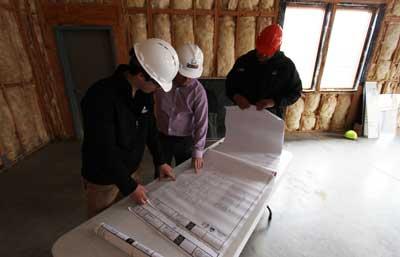 hiring-contractor_2-column