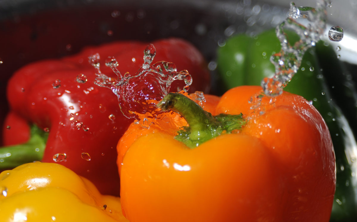 washing_bell_peppers