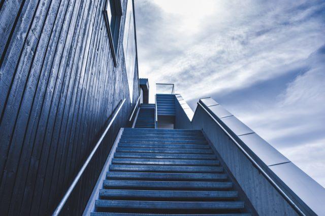 stairway-828883_1920