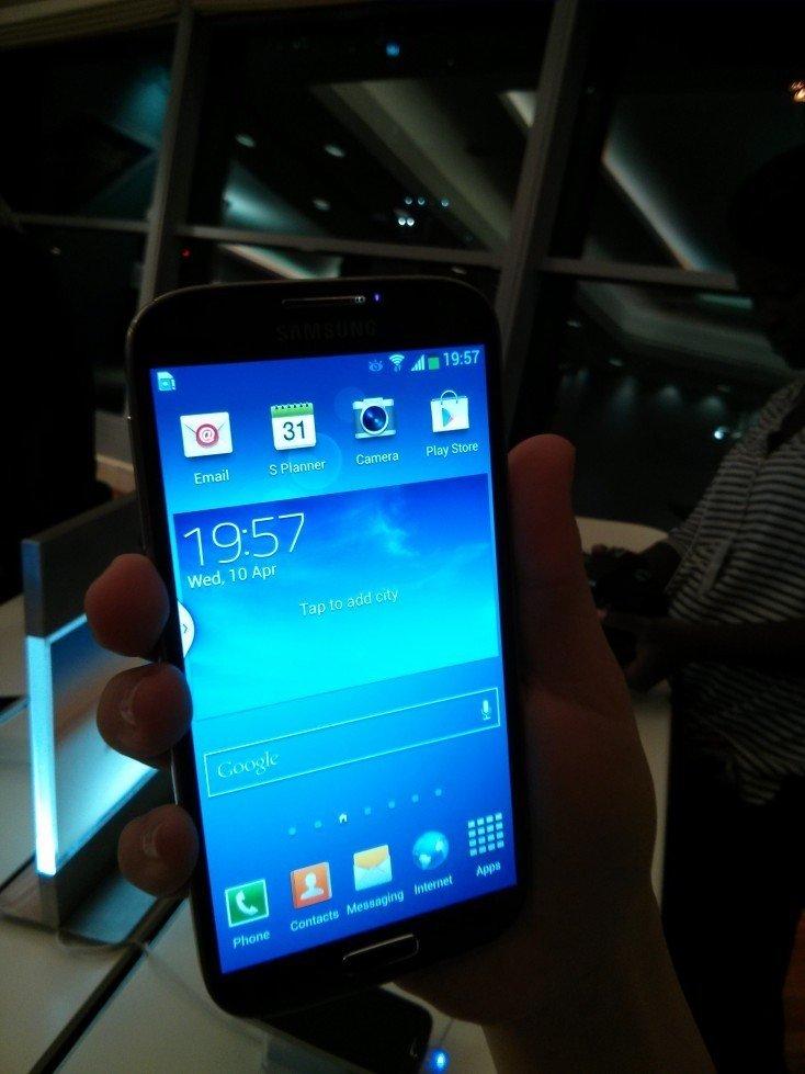 Samsung Galaxy S4 sneak peek Dubai [Pictures & Videos]