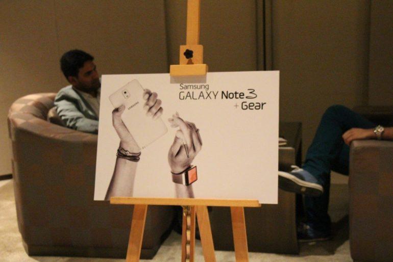 Samsung Galaxy Note 3 and Galaxy Gear Sneak Peak. [Image Gallery]