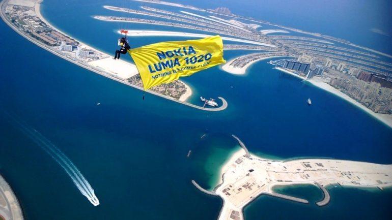 Nokia Lumia 1020 Lands in Dubai with Unique Skydive Stunt