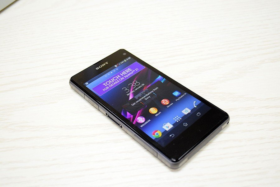 Sony Xperi Z1 Compact (18)