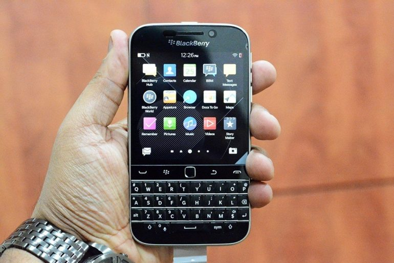 Blackberry Classic Unboxing .[Image Gallery]