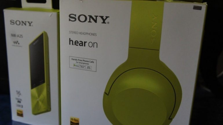Sony h.ear On Headset and NW-A25 Walkman Review