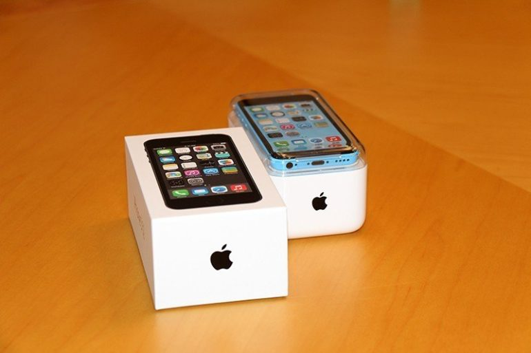 iPhone 5C & 5S Unboxing [Images Gallery]