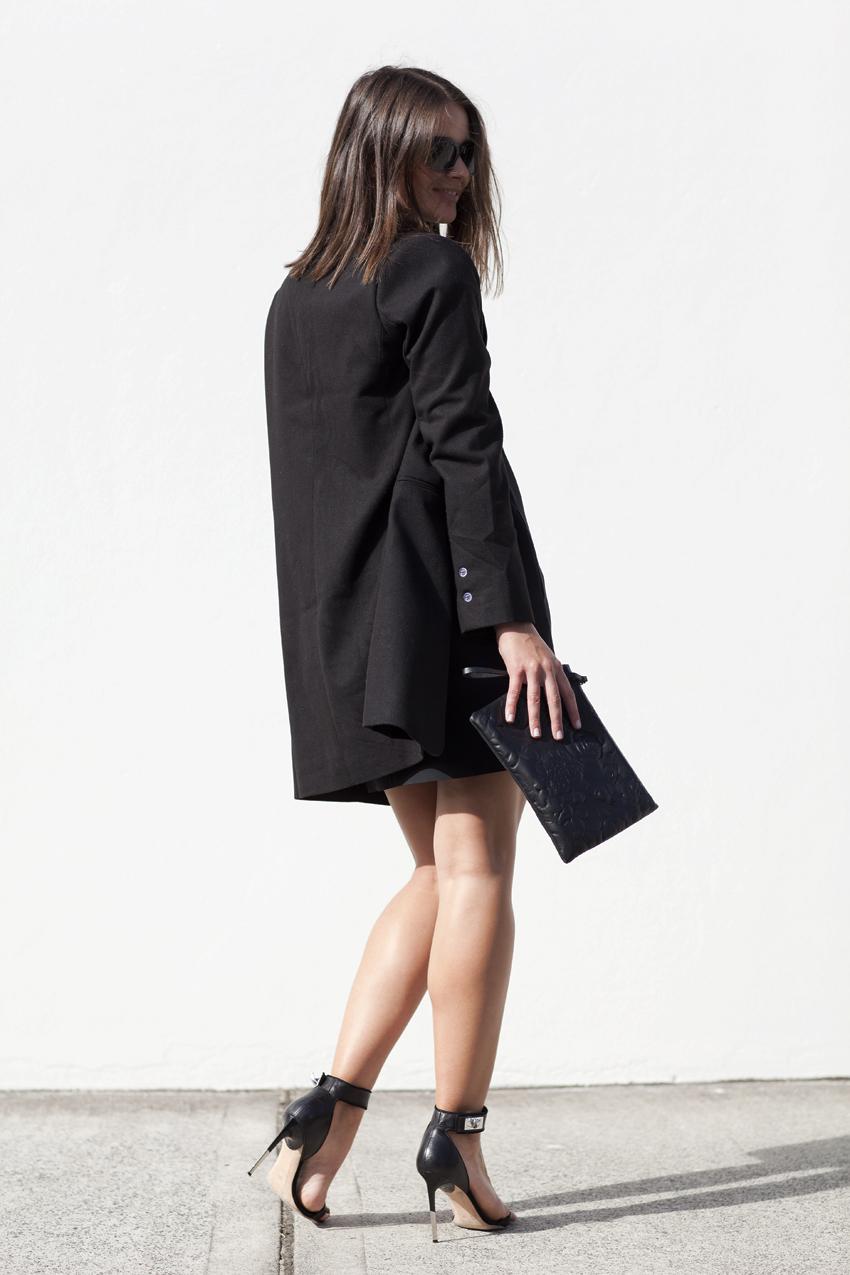 minimal-all black-australian fashion blogger-winter wardrobe