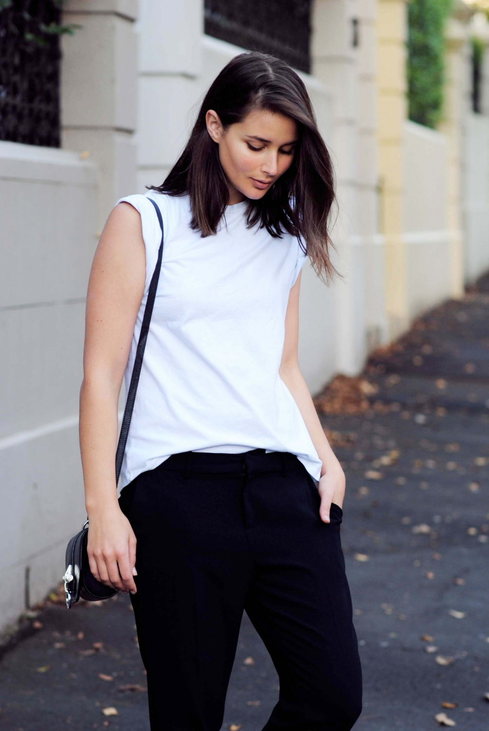 off duty, blogger, trousers, slim fit, white t-shirt, blogger