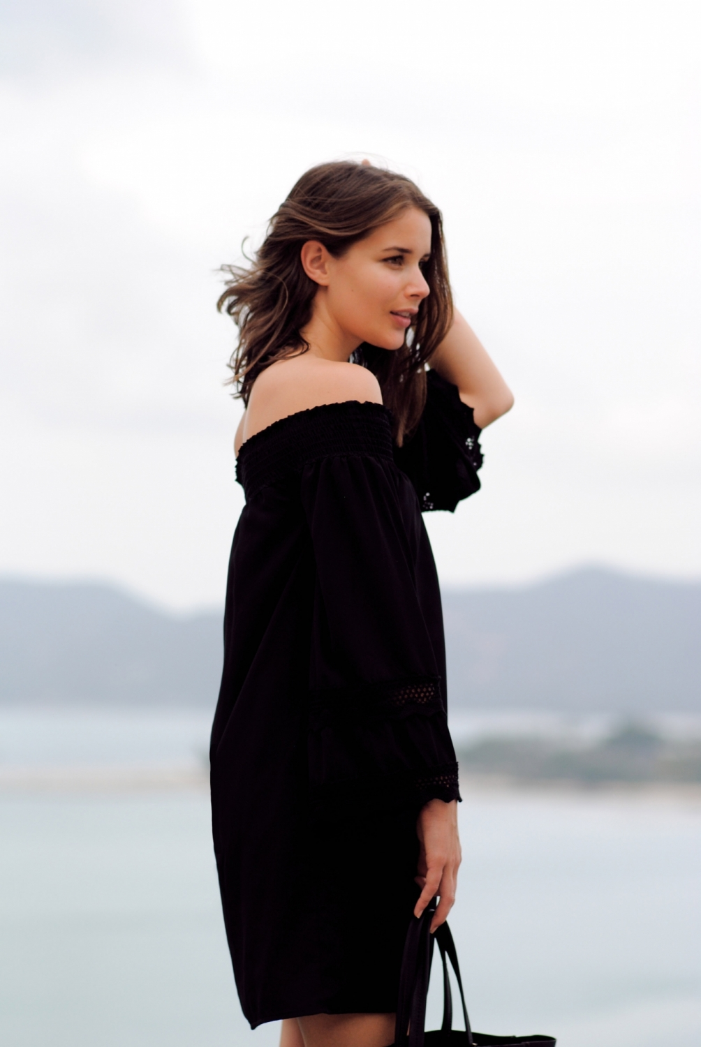 harper and harley_off the shoulder black dress_travel_thailand_koh samui_02