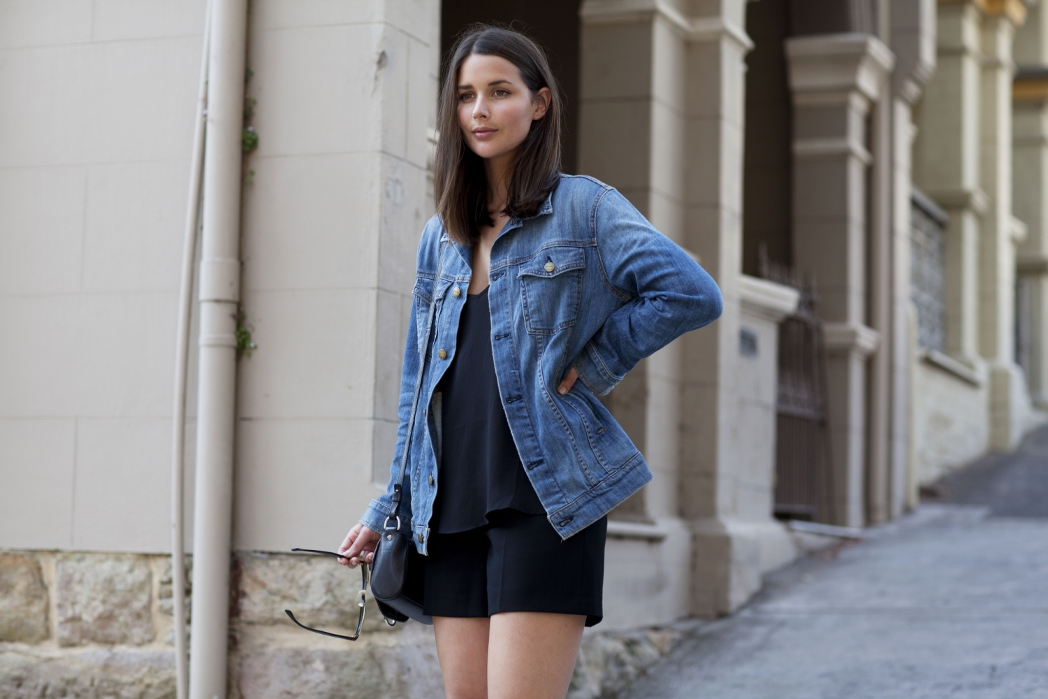 harper and harley_sara donaldson_denim jacket_black shorts_fashion blogger_3