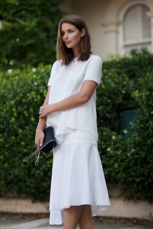 harperandharley-white-top-white-skirt-dec14-4