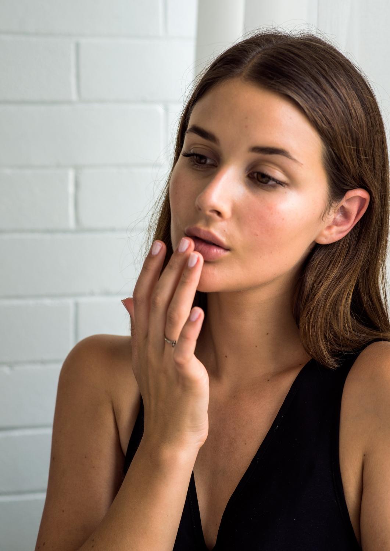 oral-b-girl-next-door-beauty-final-lips