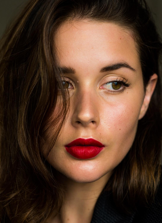 red lipstick Mac Ruby Woo sara Donaldson