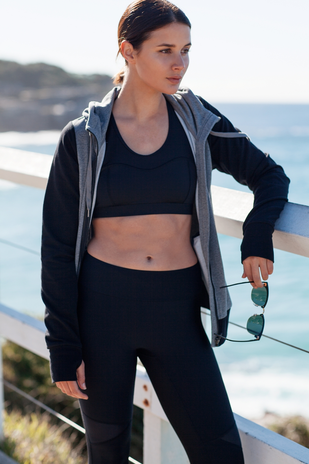 Activewear gym ray ban