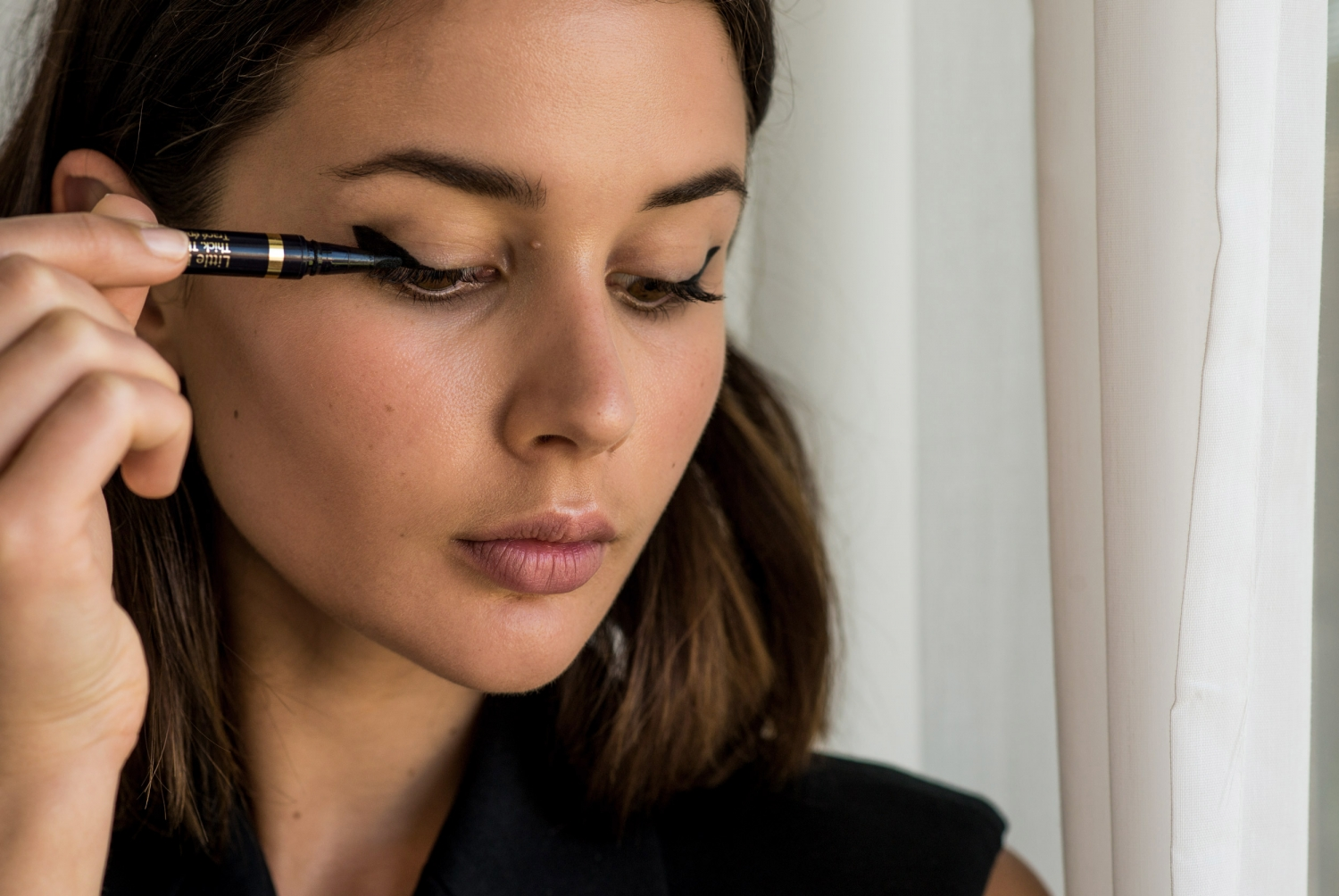Estee Lauder Little Black Liner how to eyeliner