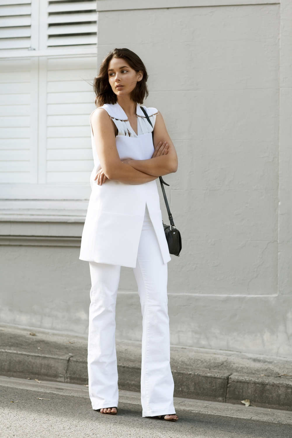 harperandharley_all-white-outfit_fashion-blogger_white-flares_white-vest_1