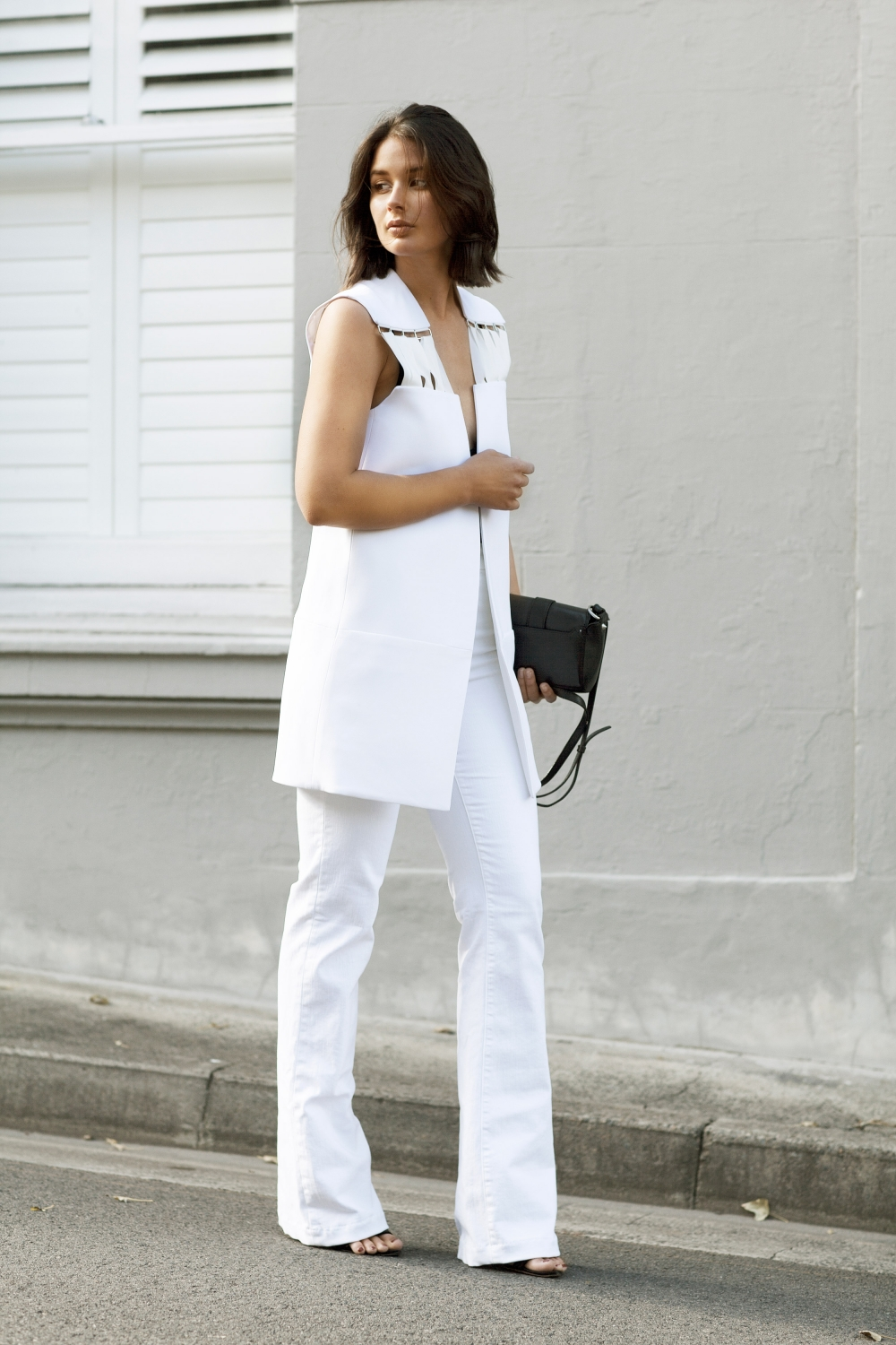 harperandharley_all-white-outfit_fashion-blogger_white-flares_white-vest_2