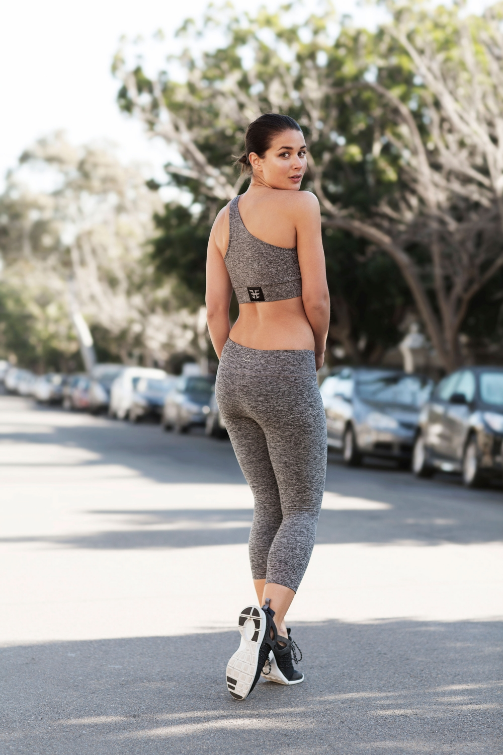harper-and-harley_activewear_gym_health_workout-wear_all-grey_6